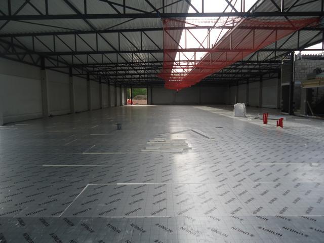 Isolteam isoleren van vloermet PUR-PIR Utherm floor