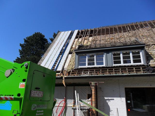 Isolteam isoleren van dak met PUR-PIR