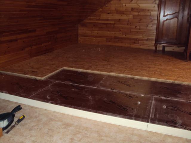 Isolteam isoleren van zoldervloer met PUR-PIR
