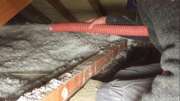 Isolteam: isoleren van dak en zoldervloer met glaswol