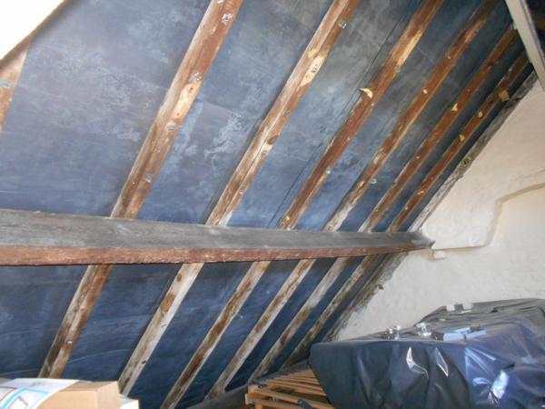 Isolteam: dak isoleren met glaswol, dampscherm en gyproc