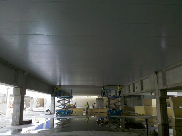 Isolteamisoleren van plafond met PUR-PIR Selthaan Megaplus