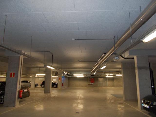 Isolteam isoleren van plafond met rotswol en houtwol