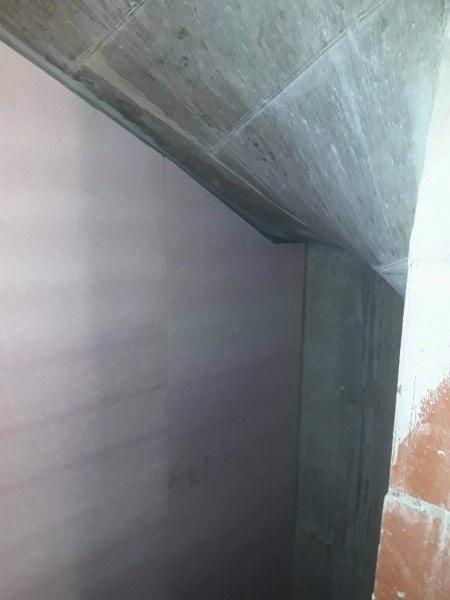 Binnenmuurisolatie van een appartement met resolschuim door Isolteam