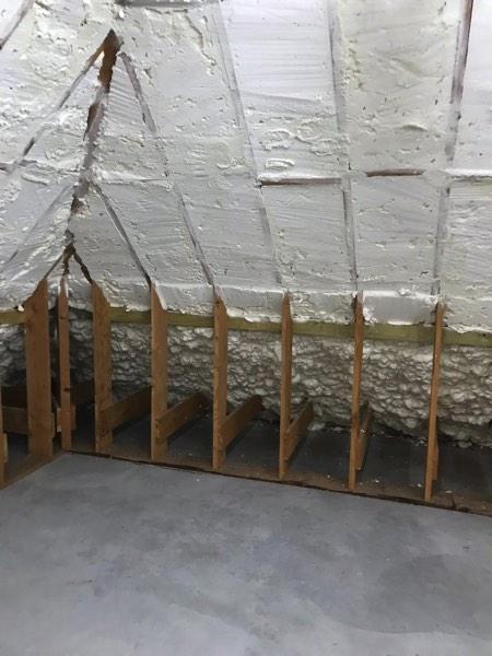 Dakisolatie van een woning met icynene door Isolteam