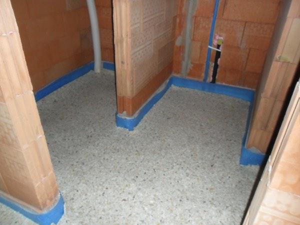 Vloerisolatie akoestiek van een woning met polylatex door Isolteam